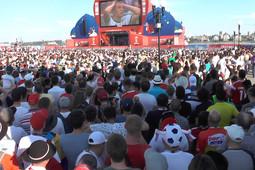 Боль и разочарование в фан-зоне в Казани: Россия проиграла Уругваю