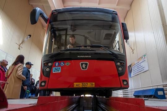 ПАТП №4: 76% автобусов прошли подготовку к работе в осенне-зимний период