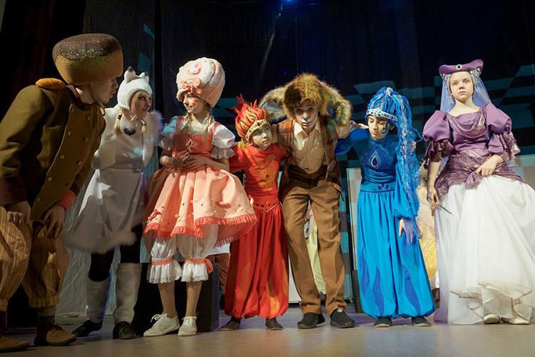 За «Синей птицей»: в ТЮЗе показали спектакль инклюзивной лаборатории «Создавая театр»