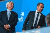 Танцы с роботами, салют и Медведев: как прошла церемония открытия WorldSkills
