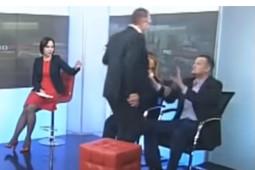 Украинские депутаты устроили драку в прямом эфире