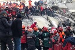Число погибших в результате землетрясения в Турции возросло до 21