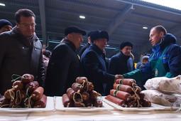 Рустам Минниханов и Ильсур Метшин посетили ярмарку сельхозпродукции в агропромпарке «Казань»