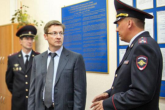 Кого Хохорин уволил заскинхедов, счего Петров наехал наТАИФ игде Исхакову готовят офис