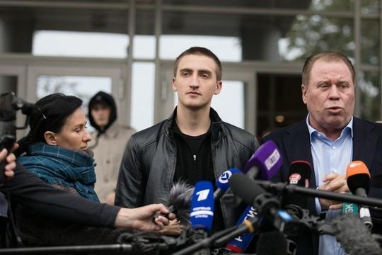 Суд изменил приговор актеру Устинову