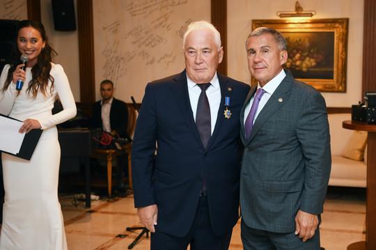 Минниханов наградил Равиля Муратова орденом «Дуслык»