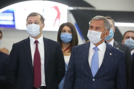 Минниханов открыл татарстанский нефтегазохимический форум: он впервые проходит в «Казань Экспо»