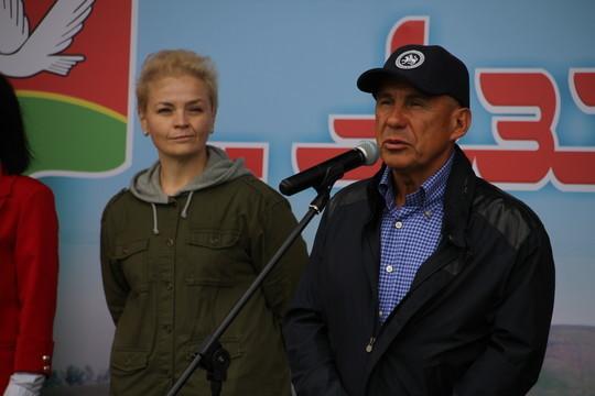 Рустам Минниханов заложил камень нового животноводческого комплекса «Азнакай»