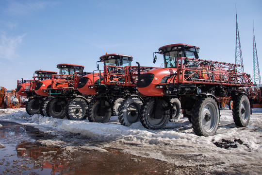 В ряде районов Татарстана в разгар полевых работ выпало 5 см снега