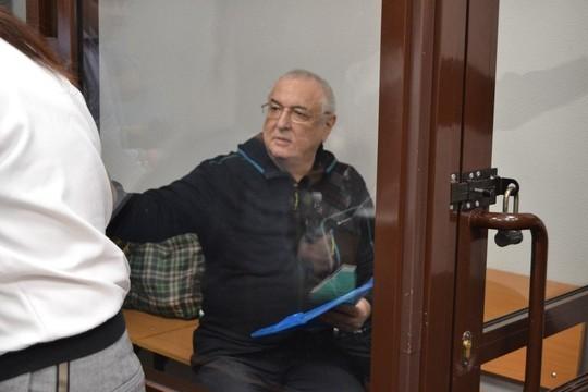Экс-проректор КХТИ Ильдар Абдуллин попросил освободить его по состоянию здоровья