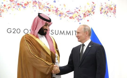 Путин во второй раз за неделю поговорил по телефону с наследным принцем Саудовской Аравии