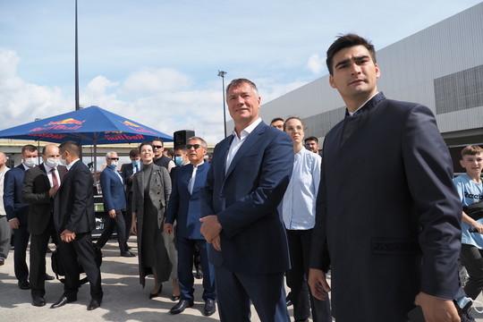 В Казани открыли экстрим-парк «Урам». Минниханов остановился посмотреть на трюки