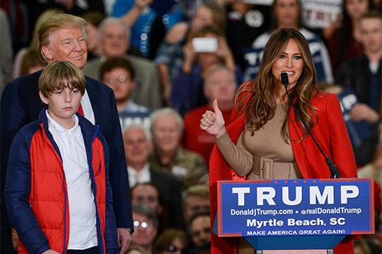Версия: новейшую прическу Меланьи Трамп подняли насмех