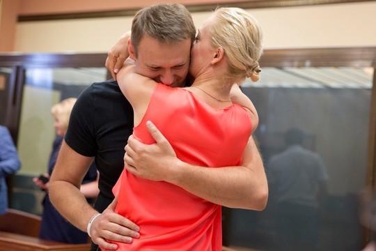 Юлия Навальная обратилась к Владимиру Путину с просьбой вывезти мужа в Германию
