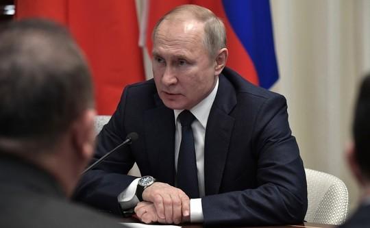 Путин поручил минимизировать число смертей от коронавируса