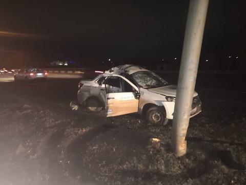 В Челнах LADA Granta врезалась в опору освещения – водитель впал в кому