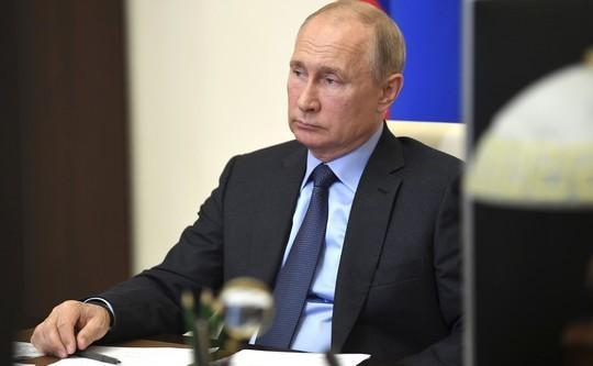 Путин рассчитывает на регистрацию вакцины против COVID-19 в сентябре