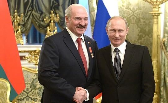 Лукашенко договорился с Путиным: Россия при первом запросе окажет помощь