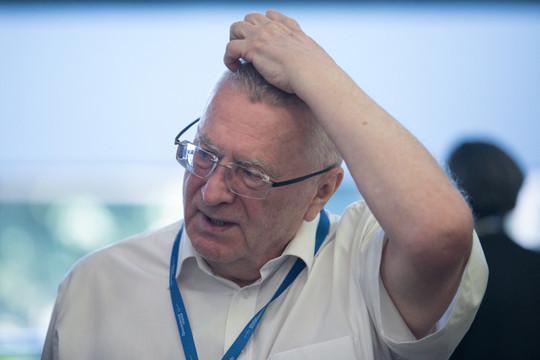 Жириновский назвал вспышку коронавируса провокацией США: «Американцы боятся, что им не удастся Китай обогнать»