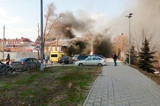 Вцентре Казани загорелось очередное историческое сооружение