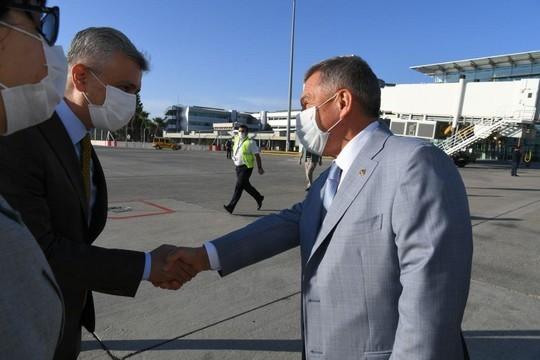 Минниханов прилетел в Турцию. Это первый зарубежный визит после введения ограничений