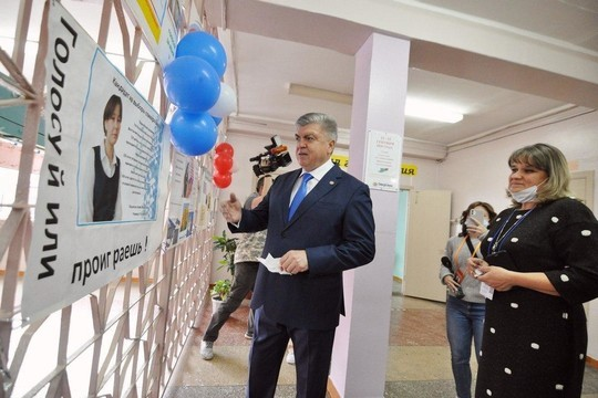 Наиль Магдеев проголосовал на выборах и пообщался с наблюдателями