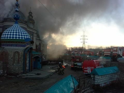 Полыхает кровля Храма всех религий под Казанью— МЧС Татарстана