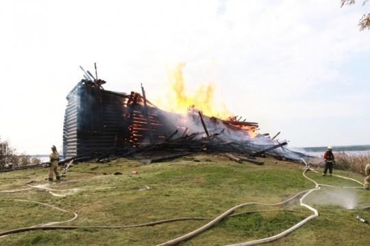Подростка подозревали вподжоге Успенской церкви вКарелии