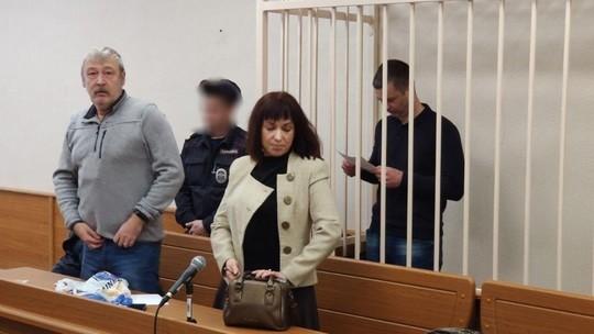 В Казани экс-полицейские за посредничество во взятке и мошенничество получили суммарно 6 лет