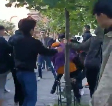 В Казани молодежь подралась в очереди за модными кроссовками