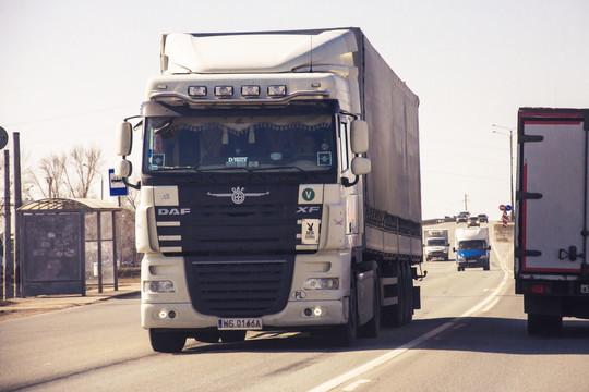 На дорогах Татарстана вводится временное ограничение движения для большегрузов