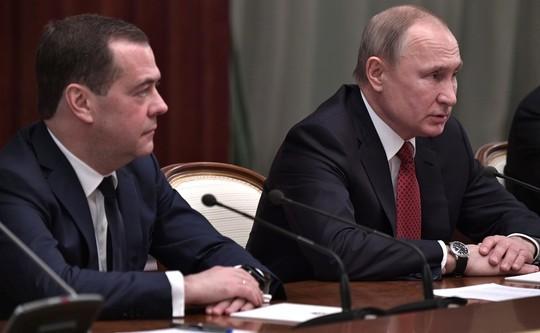Правительство РФ в полном составе подало в отставку. Главное
