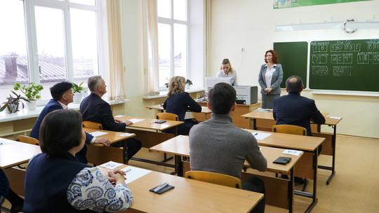 Бурганов с депутатами Госсовета сдал ЕГЭ по истории – первые фотографии