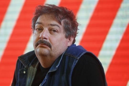Писатель Дмитрий Быков впал в кому в Уфе, состояние тяжелое