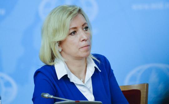 «Вас оболванивали много лет»: Захарова рассказала о просьбе богатых россиян вернуть детей в РФ