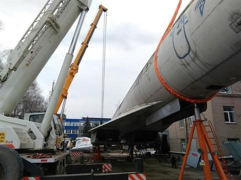 Самолет Ту-144 готовят к транспортировке кзданию КНИТУ-КАИ наЧетаева