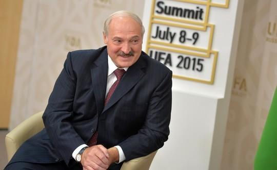 Лукашенко заявил, что Путин «простит» Беларуси $1 млрд долга