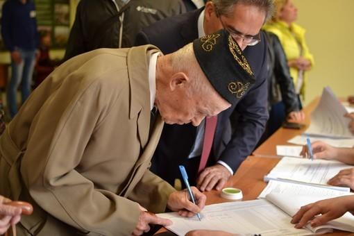 ВКазани навыборах депутатов проголосовал 100-летний мужчина