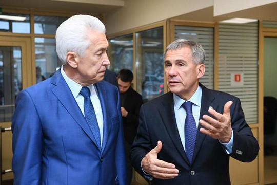 Президент Татарстана Рустам Минниханов прибыл вДагестан