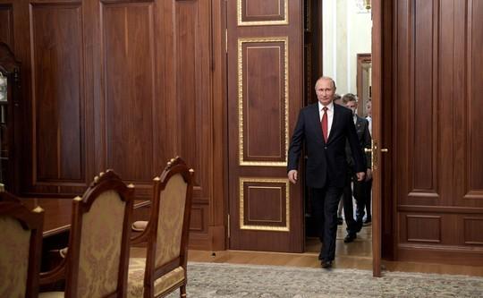 Оливер Стоун нашел неожиданную находку вкабинете Владимира Путина