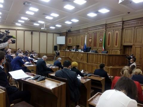 Марат Ахметов указал на министерства, в которых не уделяют должного внимания татарскому