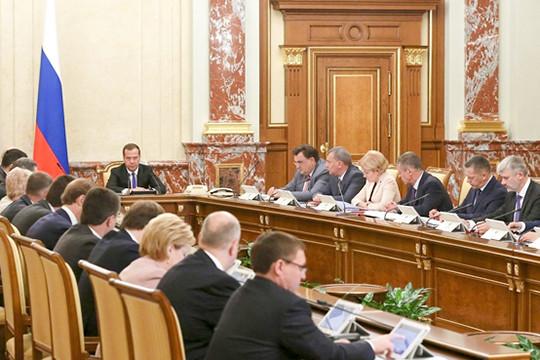 Законодательный проект  оналоговом маневре для «нефтянки» одобрен руководством  РФ