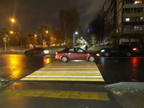 В Челнах водитель иномарки отвез женщину в БСМП, после того как сбил ее