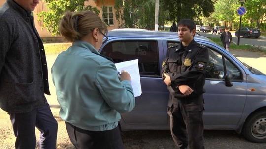 Из-за долгов по коммуналке у жителей Елабуги арестовали автомобили