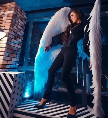 Модельер из Челнов показала новую коллекцию, представ в образе ангела