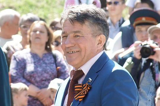 Озеров покидает пост главы комитета Совфеда пообороне, сообщил источник