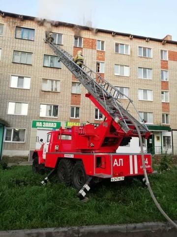 В Бугульме из горящей квартиры спасли мужчину, из-за которого и произошел пожар