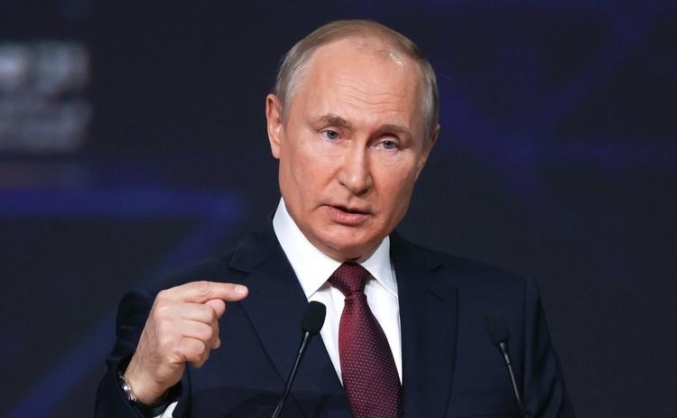 Путин: 'привык к разного рода атакам' и не обращает внимания на 'ярлыки'