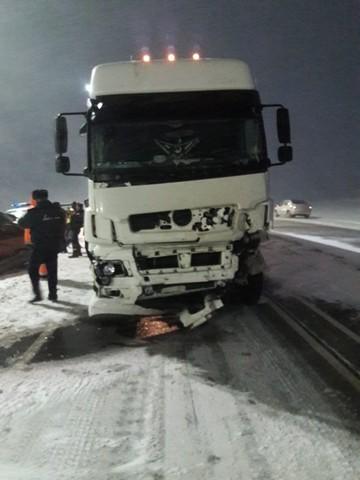 В Татарстане на трассе столкнулись легковой автомобиль и фура – погибли четыре человека