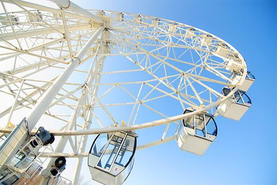 «Получается, что колесо обозрения висит в воздухе»